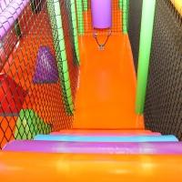 Detské centrum Rožňava, detské herné centrum, guličkové centrum, guličkové ihrisko, guličkový bazén, guličky, kladina, zábavné centrum, interiérové ihrisko, indoor ihrisko
