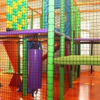 Detské centrum Rožňava, detské herné centrum, boxovací mech, guličkové centrum, guličkové ihrisko, guličkový bazén, guličky, zábavné centrum, interiérové ihrisko, indoor ihrisko